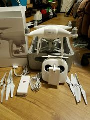 Selling New DJI Phantom 4 Quadcopter